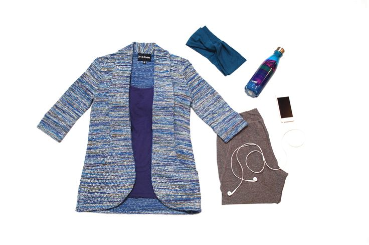 This cardigan in blue cotton tweed with shawl collar and pockets is the perfect topper post work out.