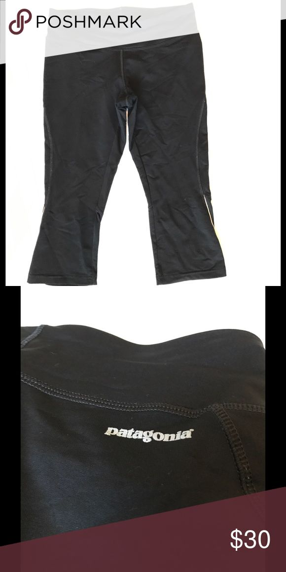 Basic black Patagonia leggings Crop below the knee. Black Patagonia leggings. Matches everything. Drawstring! Make me an offer! Patagonia Pants Leggings