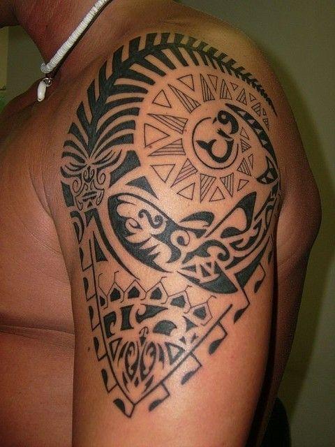 Lovely sacred polynesian tattoo on shoulder