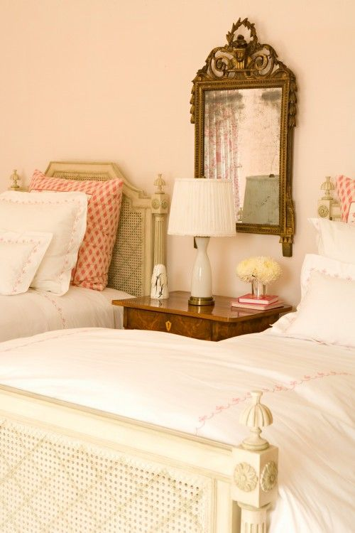 love how clean and classic this looks: Guest Room, Girl Room, Idea, Guest Bedroom, Elizabeth Dinkel, Twin Beds, Bedrooms, Design, Kid