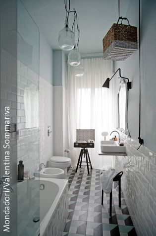 Problemzone kleine Badezimmer: Wir zeigen, wie man ein kleines Bad praktisch, schön und individuell gestalten kann.