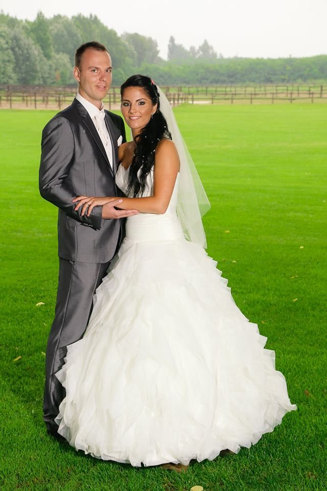 Benicarlo esküvői ruha a Pronovias kollekciónkból egyik csodaszép menyasszonyunkon http://lamariee.hu/eskuvoi-ruha/pronovias-2013/benicarlo
