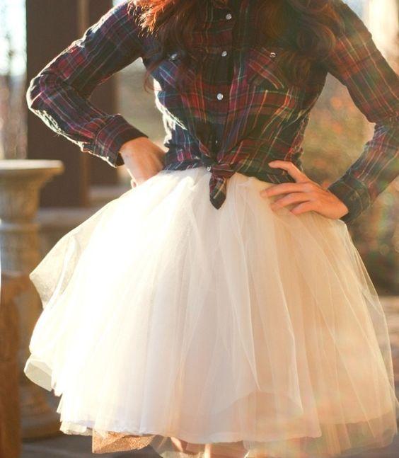Plaid Shirt Skirt Outfit, Plaid Shirt Wedding Dress, Plaid Bridesmaid Dresses, Bridesmaid Ideas, Chic Flannel Outfits, Flannel Wedding Dress Plaid, ...