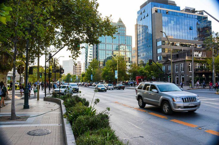 Avenida Apoquindo, Santiago, Chile