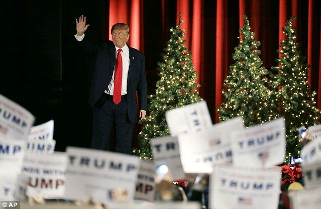 At the one-off even in Iowa, Trump did his usual dance, touting his high poll numbers and mocking his Republican and Democratic opponents - namely Hillary Clinton and Jeb Bush