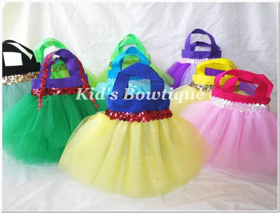 Cute favor bags for a princess themed party