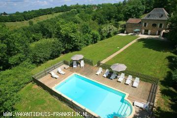 Vakantiehuis: Royaal authentiek huis met verwarmd privé zwembad op een terrein van 10000 m2.    te huur voor uw vakantie in Tarn et Garonne (Frankrijk)