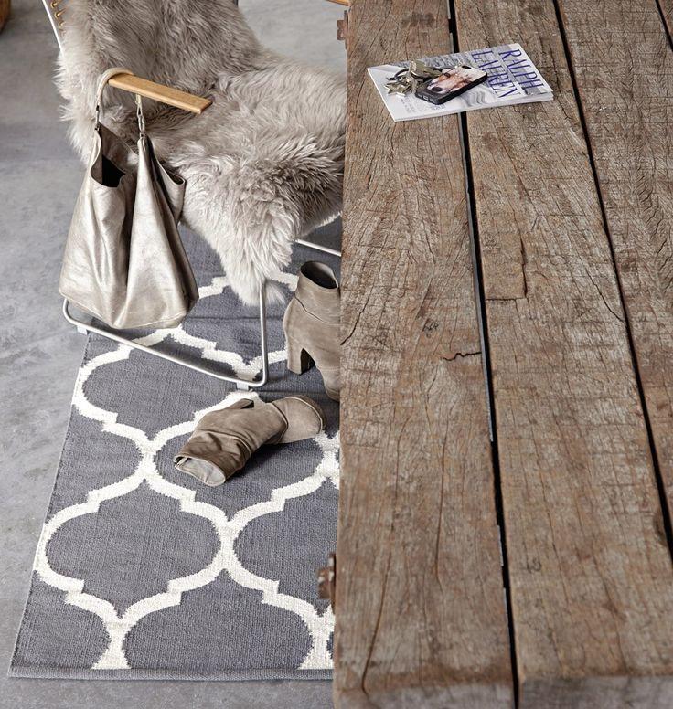Grau/weißer Teppich im dänischen Design