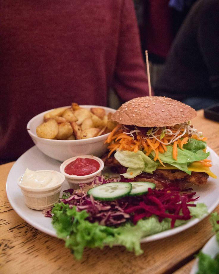 The biggest burger at @letitbe a couple of days ago  small relaxed and fun little restaurant with a creative menu!  #vegan #veganfood #veganfriends #veganburger #Berlin #veganberlin #adventure #travels #wanderlust #comfortfood #veganfood #burger #fries #letitbe #veganblog #foodblog #whatveganseat #eatingout