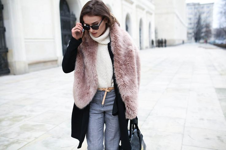 fot. Michał Wilczewski shoes TopShop / scarf ZARA / coat H&M / bag TopShop / sweater Reserved /pants ZARA /glasses vintage / nails Mani Mani