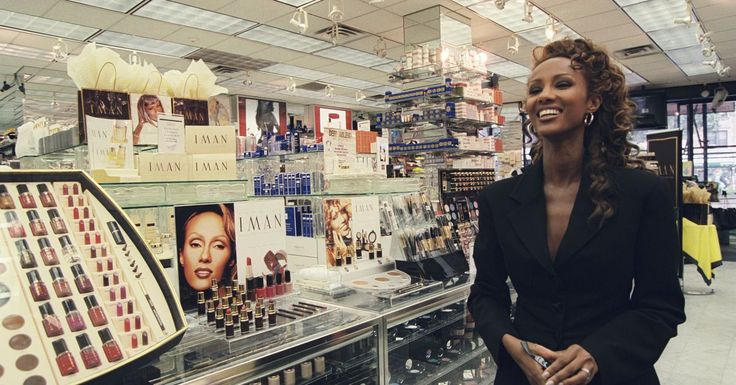 African Americans have been loving, and buying, makeup for generations.