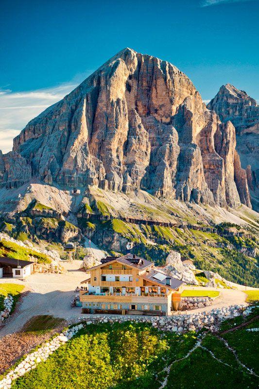 Averau Alpine Hut | Seggiovie 5 Torri - Cortina d'Ampezzo - Dolomiti
