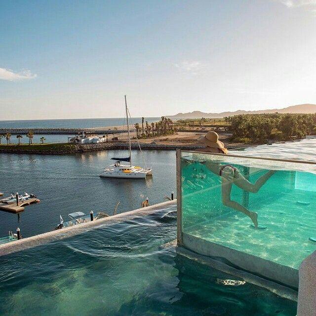 Le Spot Parfait #9 : la parfaite piscine. On rêverait de finir la journée ici, et assister au coucher du soleil #perfectplace #bestplacetobe #swimmingpool #hotelpool #hotelview #hotel #reve #beautiful #piscine #bestplaceforlovers #design #architecture http://hotel-avec-jacuzzi.fr