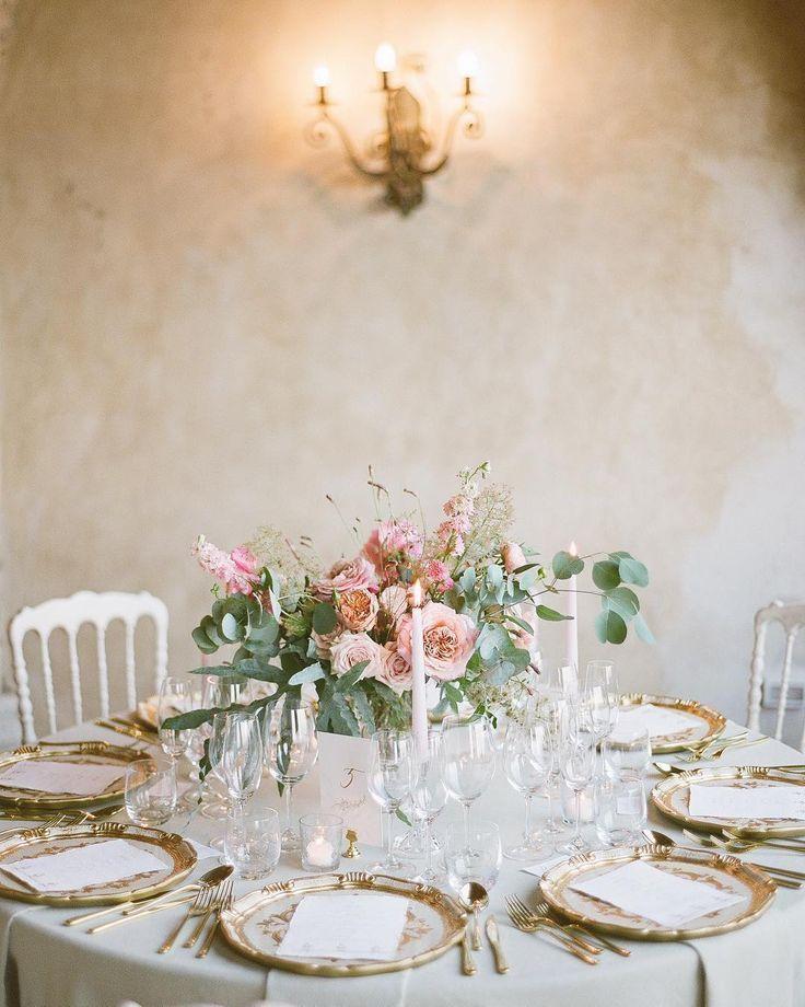 Runder Tisch Perfektion! Eleganz kommt nie aus der Mode! Und hier bei Exclusive … – Mode