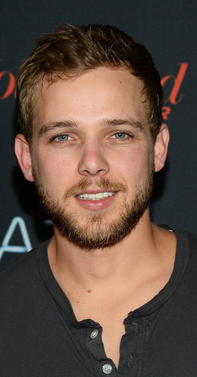Max Thieriot at event of Bates Motel (2013)