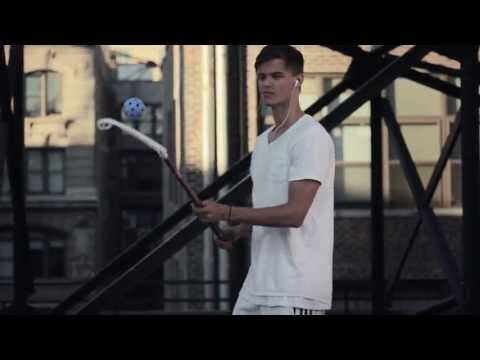 Zorro Floorball Freestyle Video on a Rooftop in Manhattan - YouTube