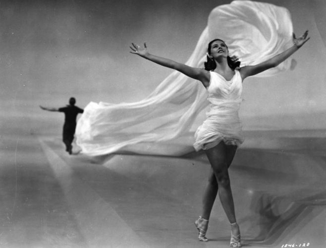 The famous legs that were once insured for 5 million dollars, Cyd Charisse