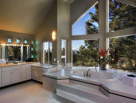 Step up bathtubBathroom Interior, Dream Bathrooms, Big Bathroom, Bathtubs, Dreams House, Dreams Bathroom, Master Bathroom, Dreamhouse, Bathroom Windows