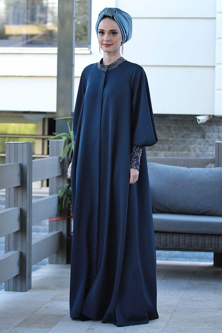 Tesettur Abiye Elbise Tunik Modelleri Nilufer Kamacioglu Zincir Nakisli Lacivert Ferace Elbise Moda Stilleri Uzun Elbise