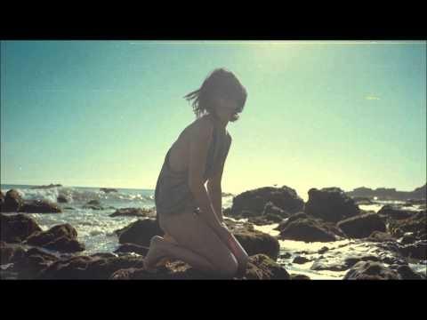 Mala ▼ Alicia (Ochtone's Sundown Remix)