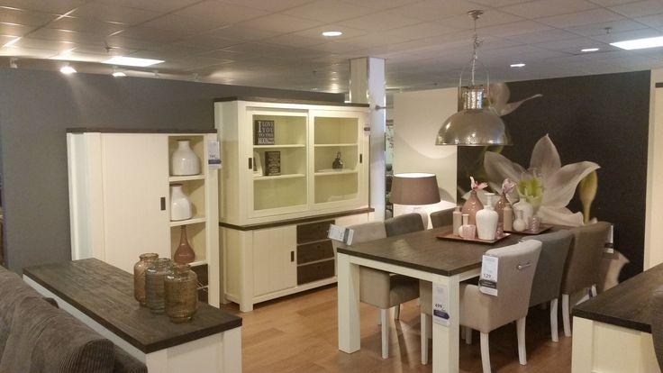 Woonprogramma Lagune is met zijn lifestyle uitstraling een meerwaarde in elke woonkamer die voor rust en warmte zorgt. Kijk voor meer informatie op prontowonen.nl of kom langs bij Pronto Wonen Capelle a/d IJssel #lifestyle #woonkamer #inspiratie