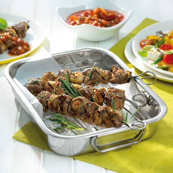 Wil je steak eens op een andere manier serveren? Probeer dan deze steakspiesjes met overheerlijke dipsaus. #BBQ #WeightWatchers #WWrecept