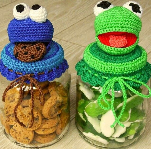 Crocheted jar covers Cookie jar Cookie Monster Kermit Frog gummies