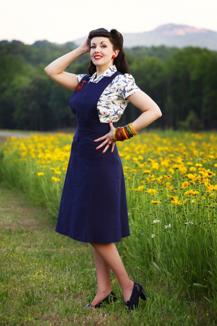 40's Pinafore Skirt in Cobalt Blue by Jitterbuggin on Etsy https://www.etsy.com/listing/175575981/40s-pinafore-skirt-in-cobalt-blue