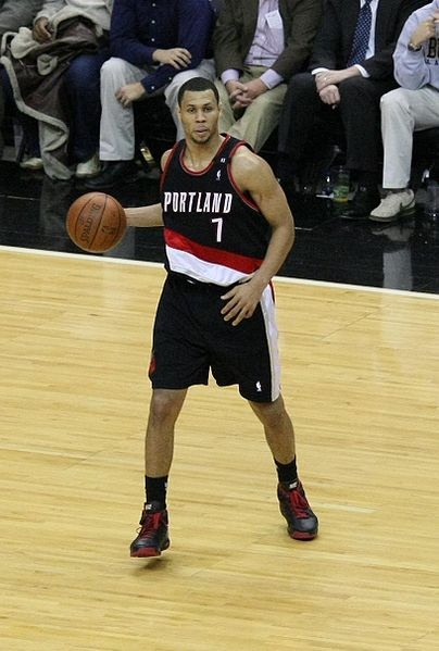 Forget FOOTBALL...it's all about Basketball and my Portland Trail Blazers! BRANDON ROY! oh yeah...
