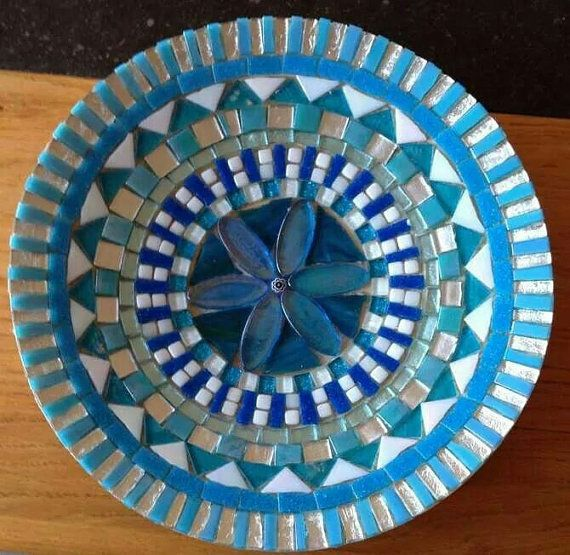 handcrafted mosaic bowl blue glass mosaic por CapolavoriDiMosaico