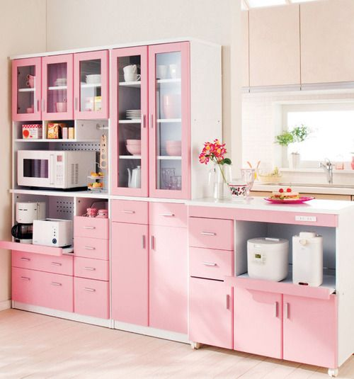 Pink kitchen. Love this kitchen, not just cause its pink, also because everything organized
