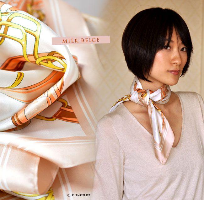 Yokohama geplaatst sjaal cross belt zijde twill Hermes patroon (het harnas patroon) 88 x 88 vierkant type Japanse makelij luxe zijde kronkelende en band met een foto.  Senior Citizen's Day, Mother's Day verjaardagscadeau aan melk beige ook