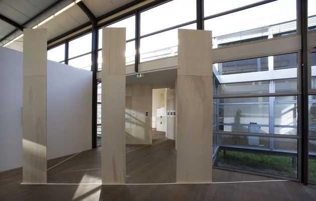 Sarah van Sonsbeeck, Mijn echte huis (2009). © Gert Jan van Rooij, Museum De Paviljoens