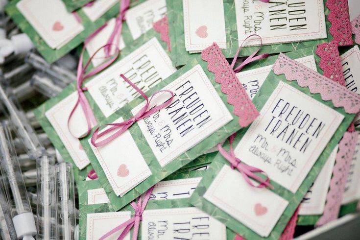 Freudentränen-Taschentücher in mint und rosa