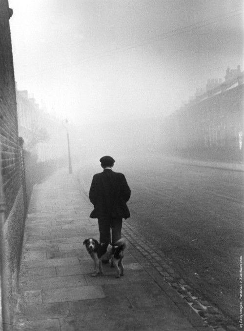 © Kurt Hutton, 1939, Unemployed man