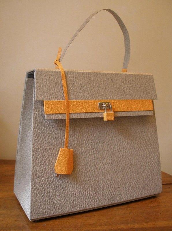 cartonnage sac a main en carton | Voici le joli sac à main créé de toute pièce en carton, simili ...