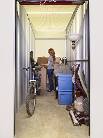 5x10 A typical bachelor suite full of items will fit well into a 5×10 storage unit, including small amounts of furniture, sofas, chairs, chest of drawers, boxspring and mattress or business supplies, records, plus other small items and boxes.