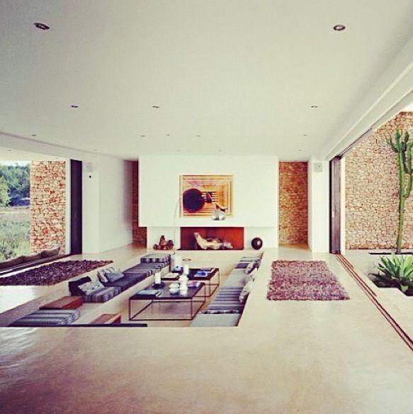Sunken lounge - Chic #modern #interiors