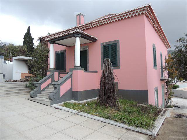 Quinta no Dom João, Imaculado Coração Maria, Funchal. toda restaurada, está como nova, preço 635.000€
