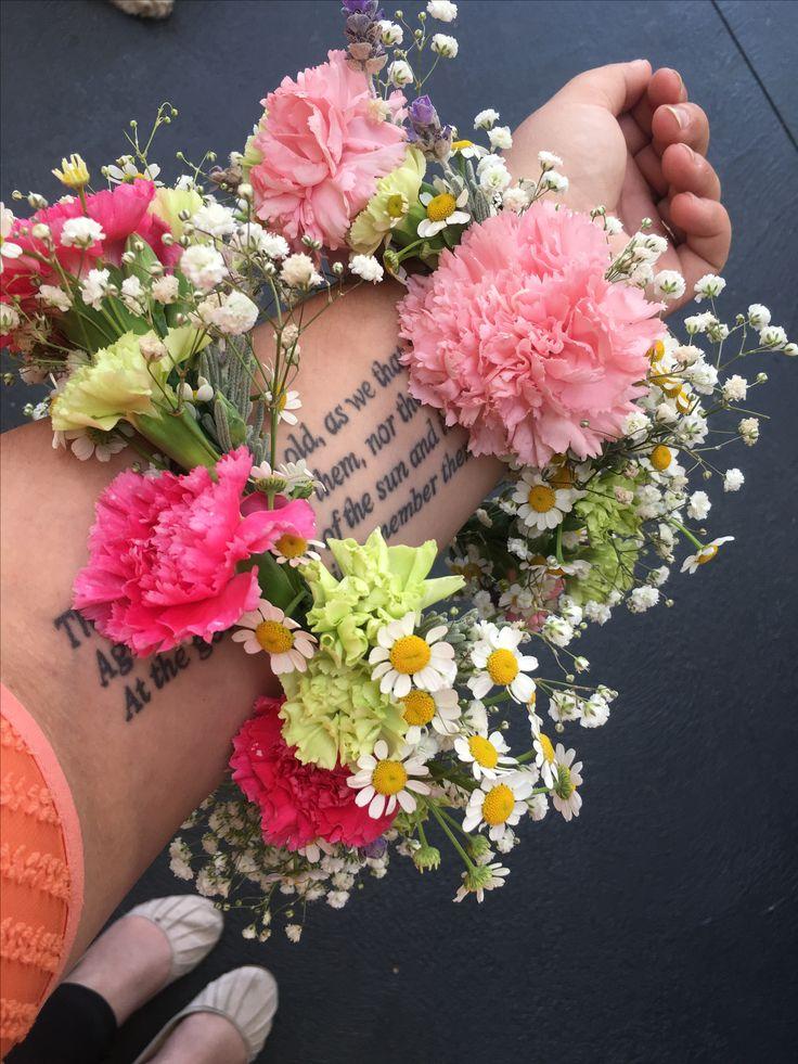 Flower crowns by Bettie bee blooms