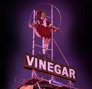 Richmond Melbourne Victoria Skipping girl sign First animated neon sign in Australia by Jim Minogue 1936