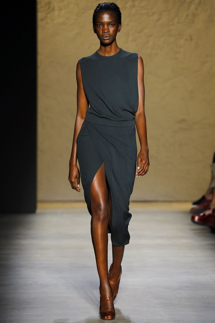 Narciso Rodriguez Spring 2016 Ready-to-Wear Fashion Show | @andwhatelse