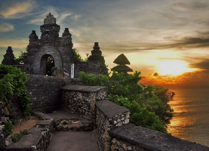 Uluwatu Temple, Bali, sunset, above the sea temple, high cliffs, monkey, travel, paradise, discover. Bali, Indonesia, Thailand, Wanderlust, Bucket List, Island, Paradise, Bali, Travel, Exotic Places, temple, places to visit in Bali