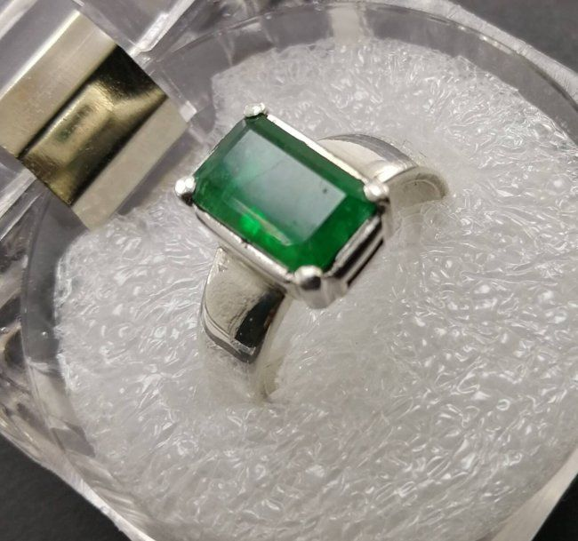 Emerald Stone Rings In The Price Of One Emerald Stone