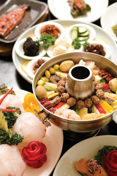 신선로 (Sinseollo) Royal Casserole is a Korean royal court cuisine that consists of quality ingredients. Another dish often served during the Korean New Year!