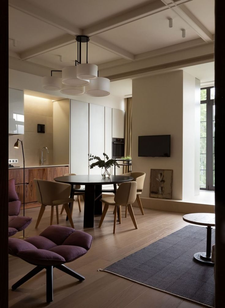 Lva Tolstogo Street Apartment by Olga Akulova