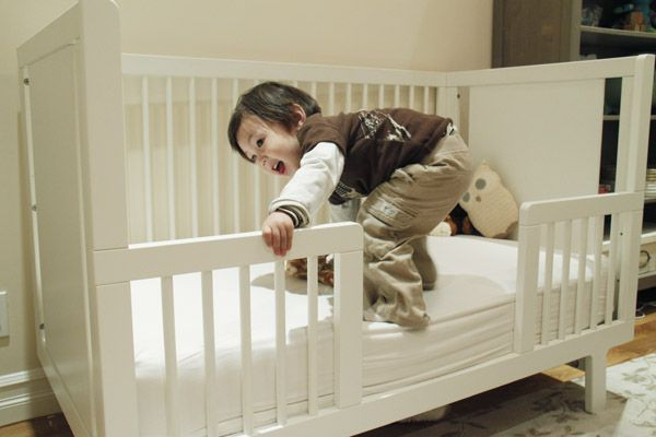 Transitioning to a toddler bed - what not to do