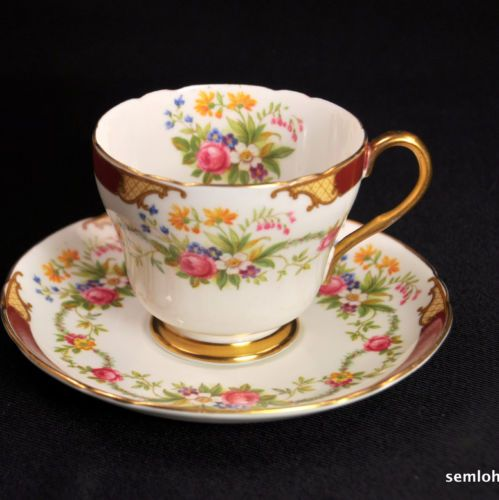 SHELLEY-Richmond-Footed-CUP-SAUCER-1938-1966-Maroon-Ratauds-Dubarry-GOLD-13395
