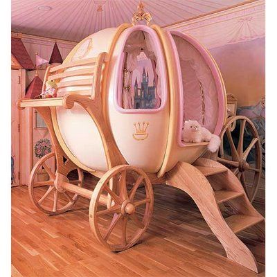 cama carroza Cenicienta habitación dormitorio niños Cinderella carriage bed kids children wacky bedroom original decoración decoration miraquechulo