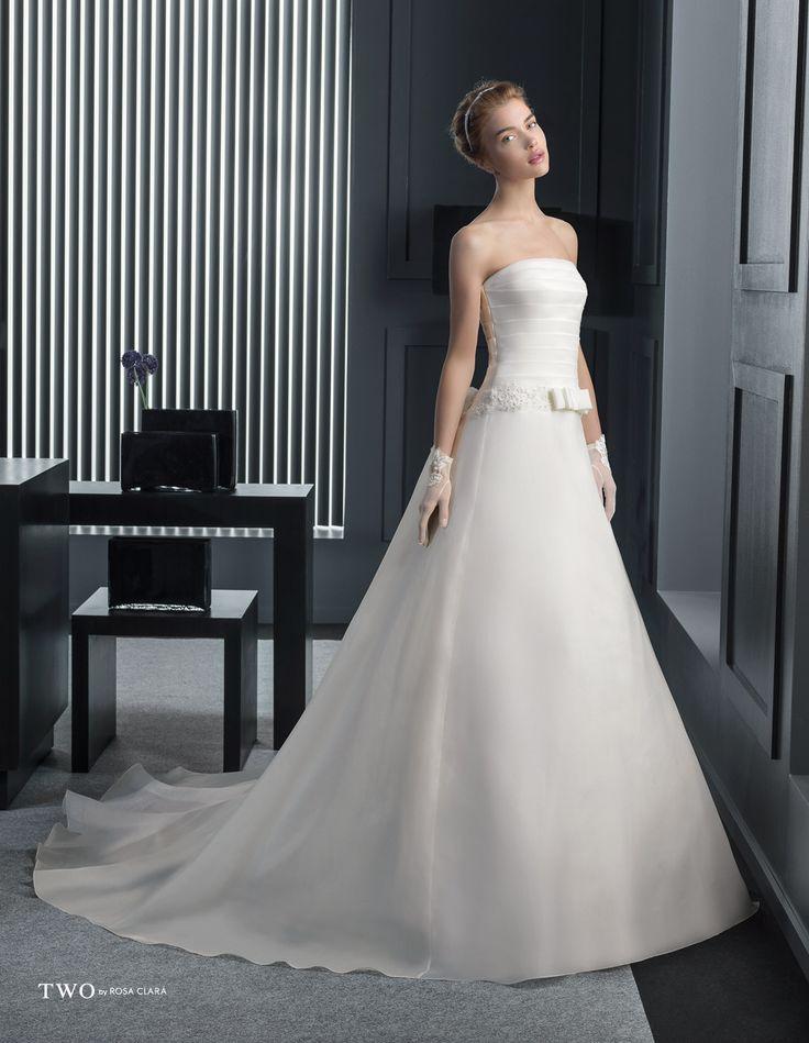 CHIC TWO-10 Lavorazioni #artigianali e #tagli perfetti su abiti ed accessori, per #matrimoni di grande classe. www.mariages.it
